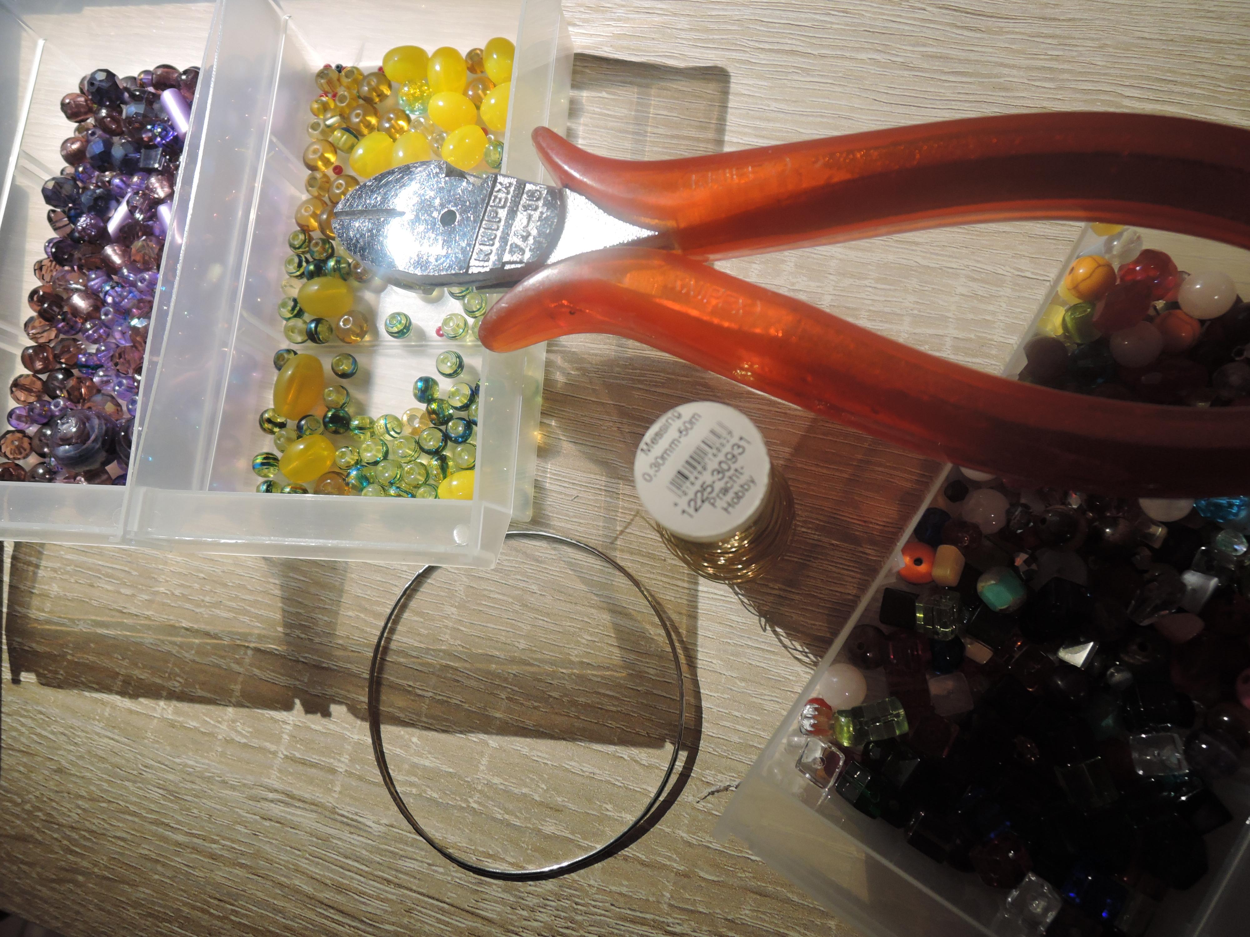 Traumfänger-Amulett aus Draht und Perlen – Eine Tüte Glück