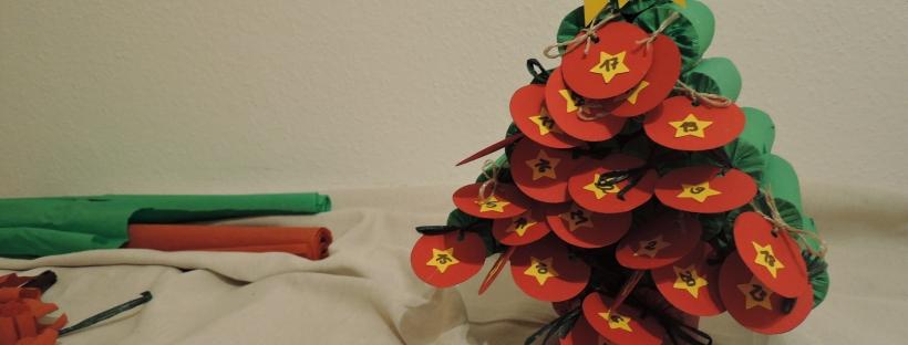Weihnachtskalender Aus Klopapierrollen.Adventskalender Aus Klopapierrollen Eine Tüte Glück