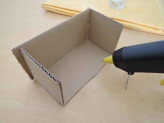 blumengesteck selber machen eine t te gl ck. Black Bedroom Furniture Sets. Home Design Ideas